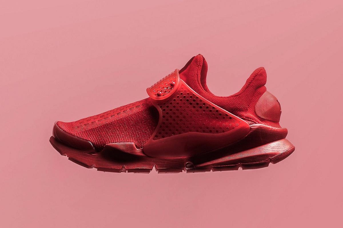 Nike выпустят Sock Dart в оттенке «University Red»