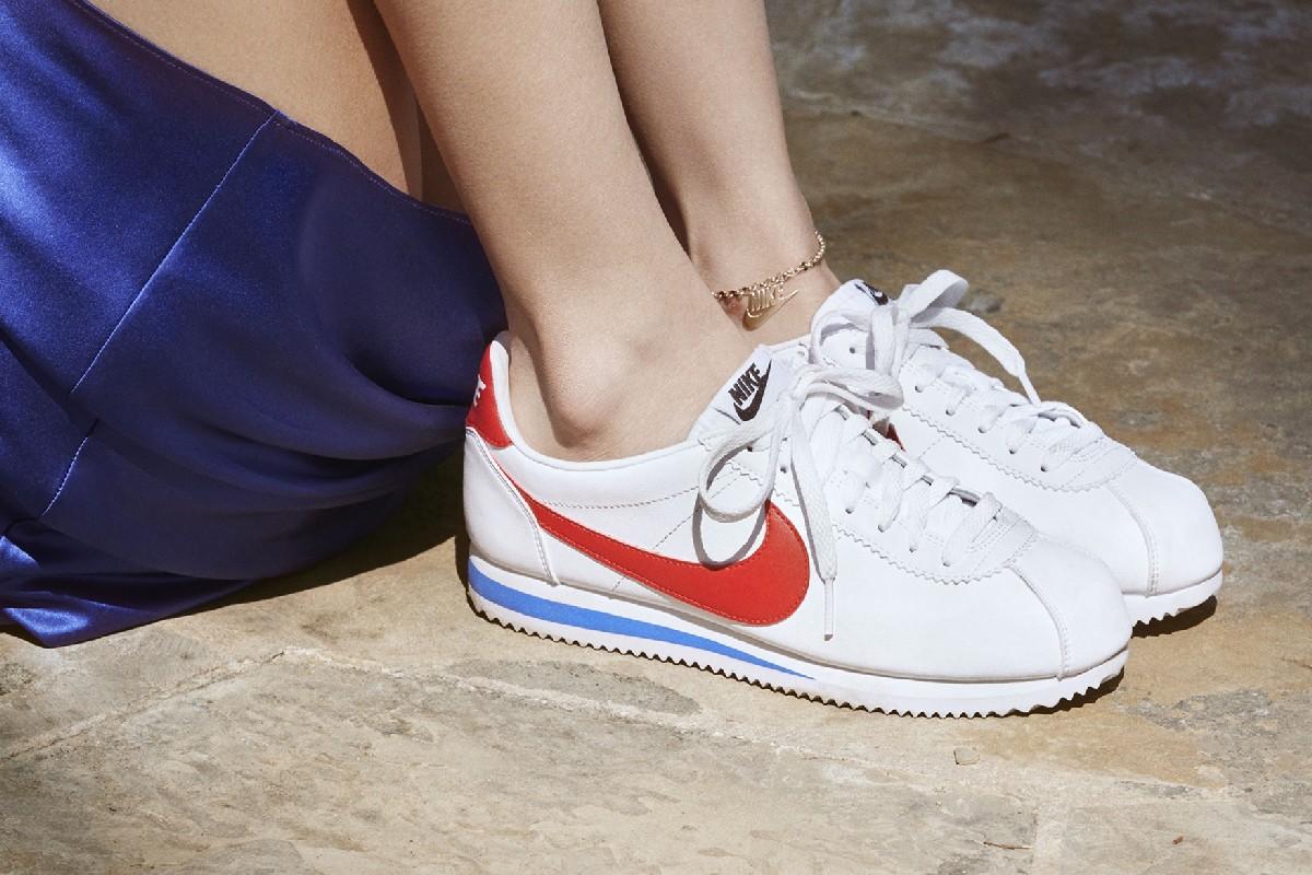 Белла Хадид в новой рекламной кампании Nike Cortez