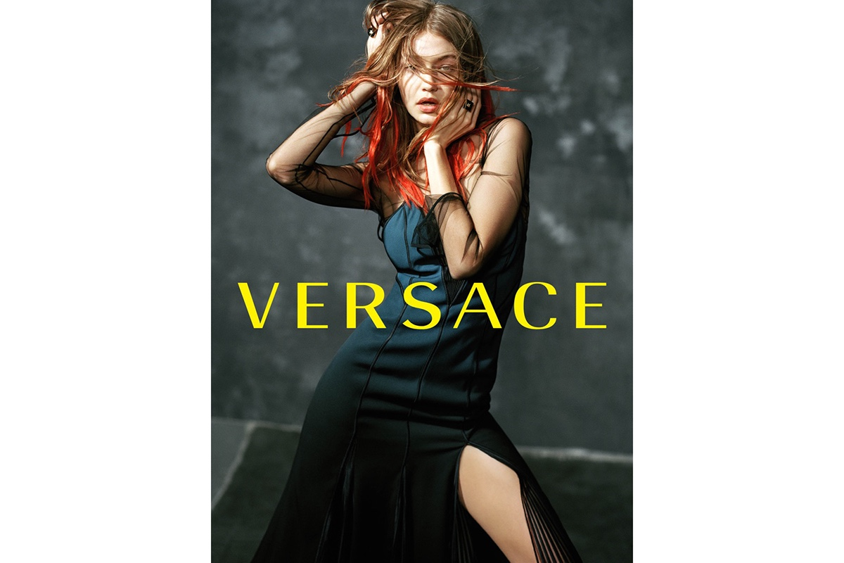 Лицом кампании осень/зима 2017 Дома Versace стала Джиджи Хадид