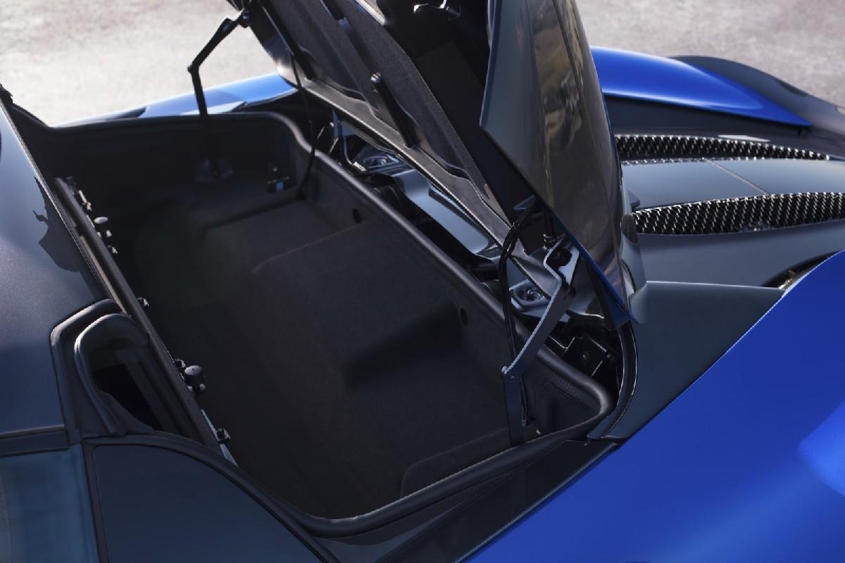 У суперкара McLaren 570S появилась открытая версия